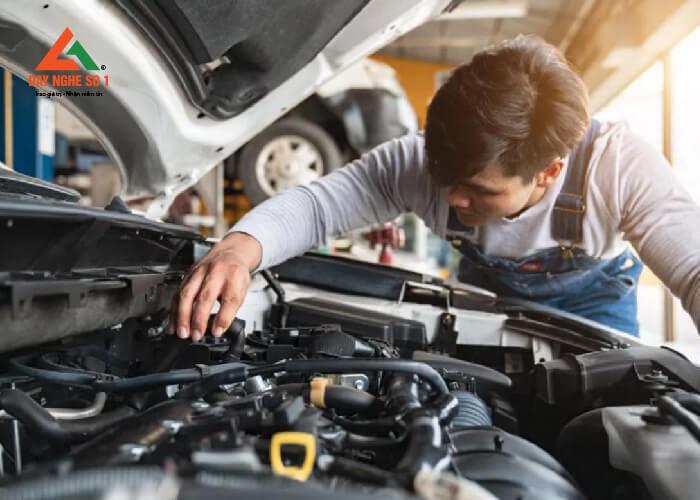 Trung tâm Dạy nghề số 1 đào tạo sửa chữa ô tô chuyên sâu