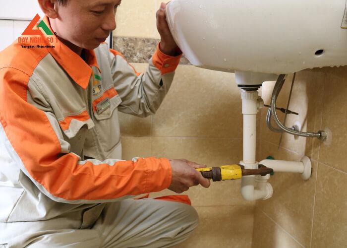 Đào tạo sửa chữa điện nước tại trung tâm Dạy nghề số 1